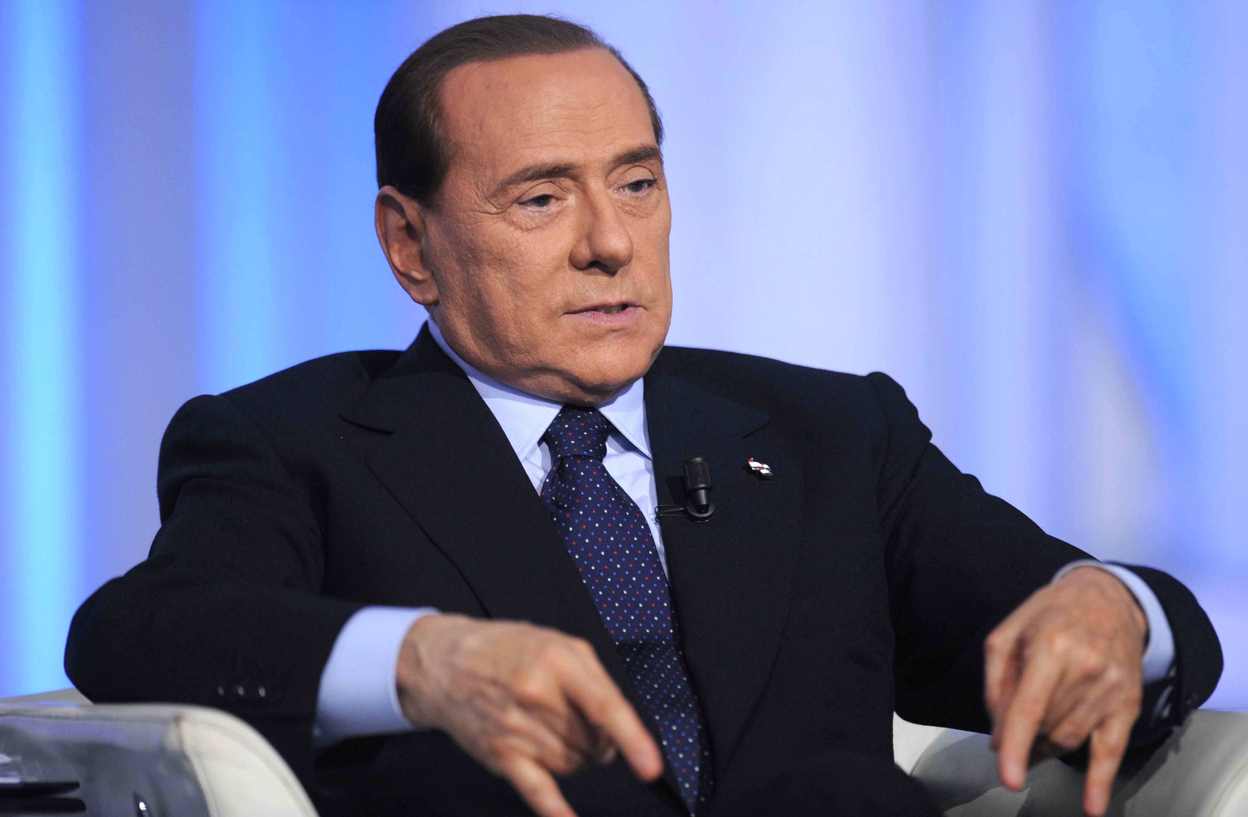 Socialismo Silvio Mps Vent'anni Di Berlusconi Per Movimento Il Upqx4xPawB